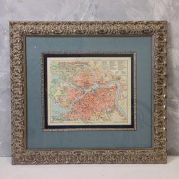 Оформление географических карт в багет в багетной мастерской